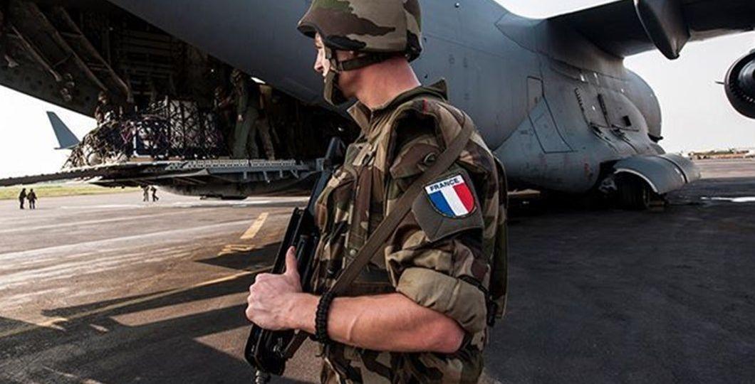 fransız-subay