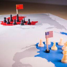 ABD Çinli yetkililere yaptırım uyguladı. Çin de karşılık verdi.