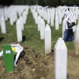Srebrenitsa Soykırımı Sırp