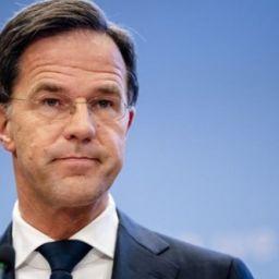 hollanda istifa hükümet