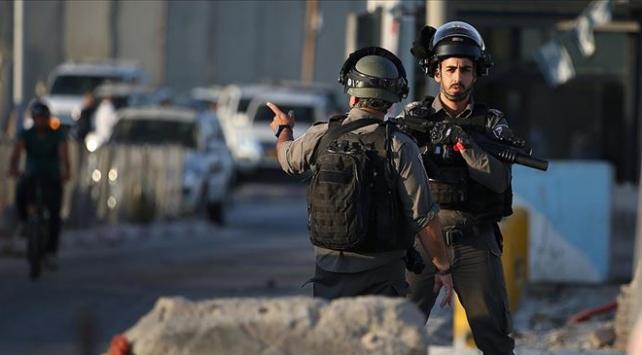 İsrail güçleri Filistinli