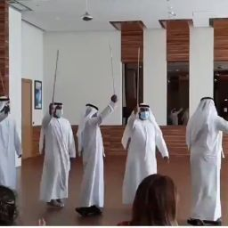 İşgaci İsraile dans gösterisi