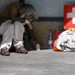 İsviçre evsiz başka ülke