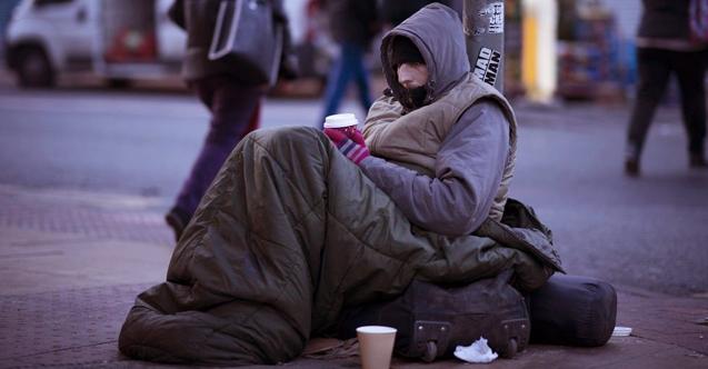 ingiltere-evsiz-sokaklarda