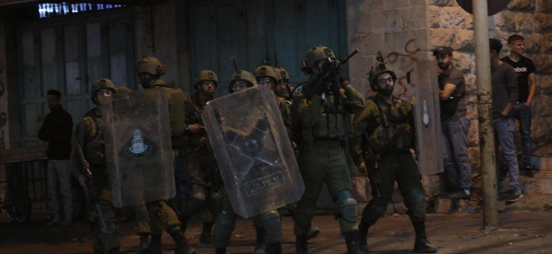 İşgalci İsrail askerleri