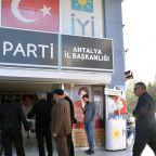 haber_iyi-parti-antalya-il-binasinda-yangin