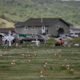 Kanada-yerli-mezar
